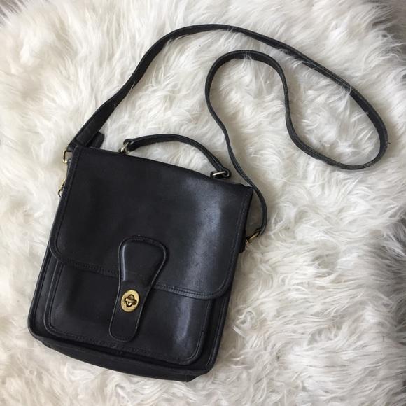 4a21402cc4 Coach Handbags - VINTAGE Coach Leather Crossbody Bag HOST PICK💙